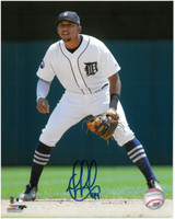 Dixon Machado Autographed Detroit Tigers 8x10 Photo #2 - Fielding