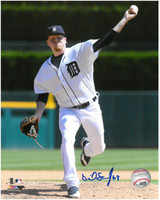 Daniel Stumpf Autographed Detroit Tigers 8x10 Photo #2 - The Delivery
