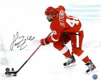 Henrik Zetterberg Autographed Detroit Red Wings 16x20 Photo #5 - Breakaway