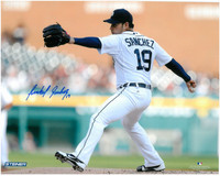 Anibal Sanchez Autographed Detroit Tigers 8x10 Photo #2 - Home Pitching (horizontal)