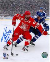 Henrik Zetterberg Autographed Detroit Red Wings 8x10 Photo #9 - Winter Classic Action