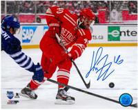 Henrik Zetterberg Autographed Detroit Red Wings 8x10 Photo #8 - Winter Classic Shooting