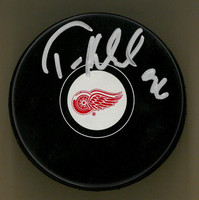 Tomas Holmstrom Autographed Detroit Red Wings Puck
