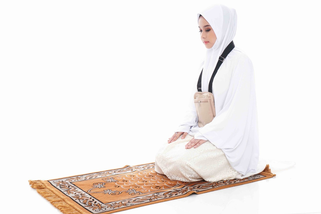 Hajj Safe Sisters Kit 2