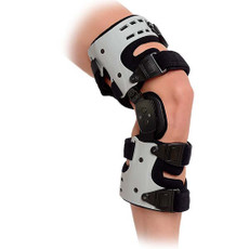 Features:  •Single strapping design helps achieve a perfect fit. •Low-profile, light-weight brace provides 3 points of leverage to reduce pressure inside the knee joint. •Ideal for unilateral compartment OA knee users. •Valgus and varus adjustment to fit individual's alignment. •Ideal for patients with mild to moderate osteoarteritis of the knee.