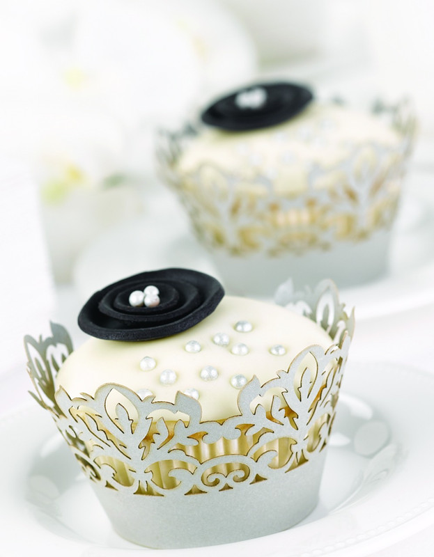 Decorative Cupcake Wraps - Silver 25 pack