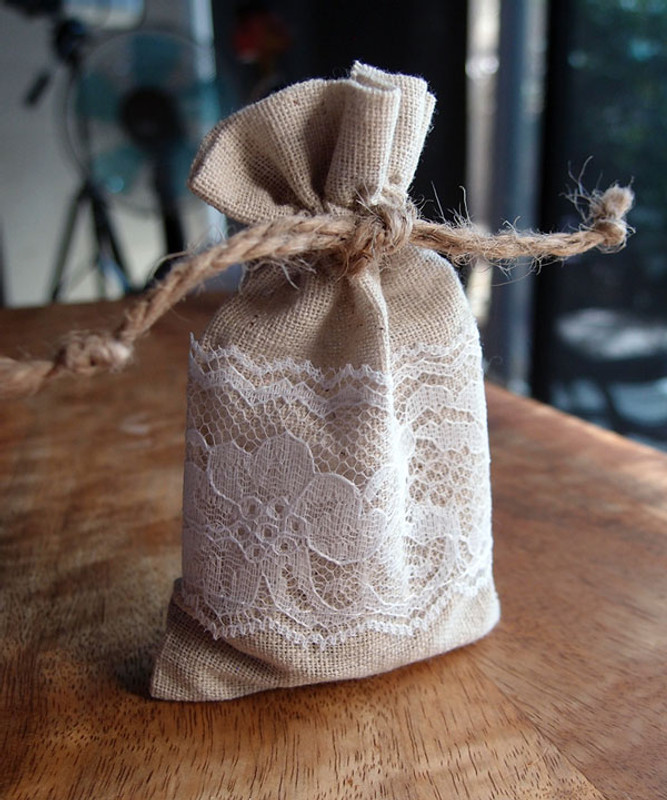 "Linen Bags With Lace 3"" x 5"""