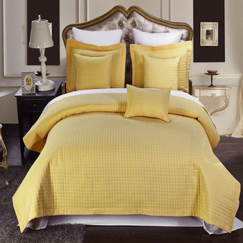 Gold/Luxury Checkered Quilted Wrinkle-Free Multi-Piece coverlet Set Image/