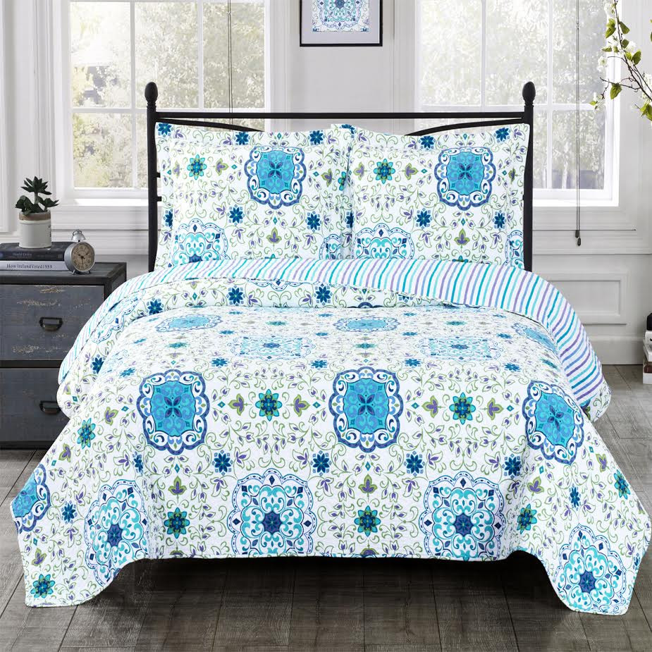 Arielle Oversize Coverlet Image