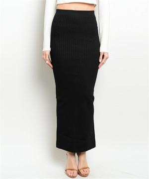 BLACK RIBBED MAXI SKIRT