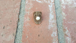 FAUX STONE IVORY STRETCH RING