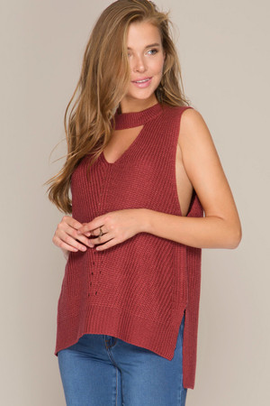 SLEEVELESS SWEATER VEST WITH FRONT KEYHOLE