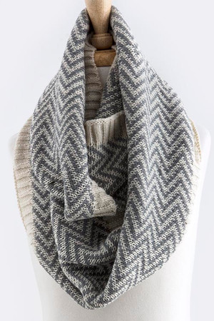 TWO TONE CHEVRON DESIGN KNIT INFINITY SCARF GRAY