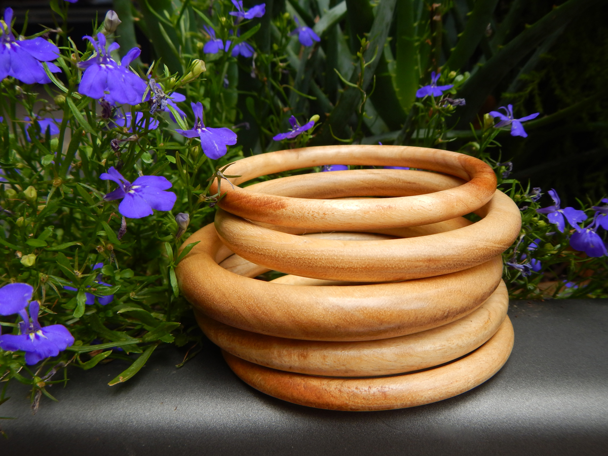 wood-bangle-trend-summer.jpg