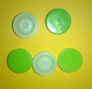 A pack of 5 Green burst discs