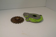 Poulan chainsaw Oil pump Gear and Housing  306 306A Used