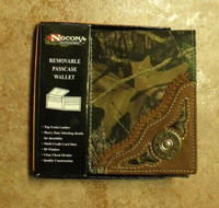 NOCONA MOSSY OAK/12 GAUGE BI-FOLD WALLET WITH REMOVABLE PASSCASE