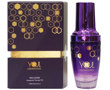 Who needs makeup when skin looks flawless? Renew your skin and enchants a youthful looking with Yoji Holy Lotion! Enriched with Aquagenium® and UnisurrectionS-61 to improve pigments and uneven skin tone, with DLMandelic Acid helping skin renewal and age-defying vitality on a daily basis.  完美無瑕的肌膚何懼素顏示人?  含專利成分Aquagenium®及Unisurrection S-61主力改善色斑及均勻膚色,  而杏仁酸則能促進皮膚的更新,預防肌膚老化。