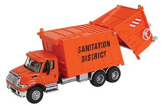 949-11770 HO Walthers SceneMaster(TM) International 7600 Garbage Truck-Assembled