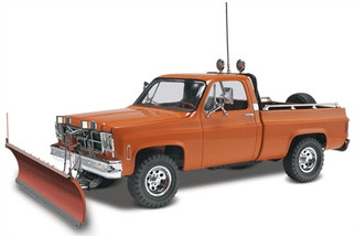 85-7222 Revell GMC(R) Pickup w/Snow Plow 1/24 Scale Model Kit