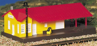 45907 Bachmann N Scale Plasticville?? U.S.A. Freight Station