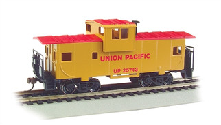 17701 HO Bachmann 36' Wide Vision Caboose-Union Pacific