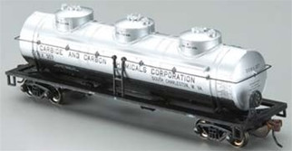 17144 Bachmann HO 40' 3-Dome Tank Carbon Chemicals