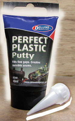 BD44 Deluxe Materials Perfect Plastic Putty 40ml