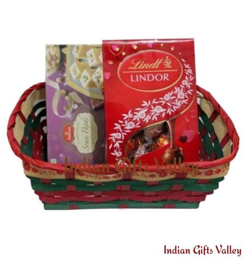 Gift Hamper - Haldiram Soan Papdi, Lindt Lindor Chocolate