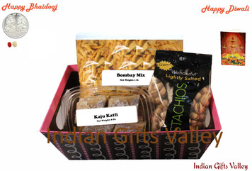 Diwali / Bhaidooj Gift Hamper - Kaju Katli, Bombay Mix and Pistachio in a Beautiful Basket