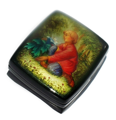 "Fedoskino Lacquer Box ""The Find"" Top View"
