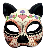 http://d3d71ba2asa5oz.cloudfront.net/12020345/images/vxm3203%20women%27s%20hand%20painted%20venetian%20style%20cat%20half%20mask.png