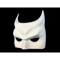 https://d3d71ba2asa5oz.cloudfront.net/12020345/images/vxw7351%20batman%20style%20paint%20your%20own%20half%20mask%2024.jpg