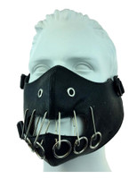 https://d3d71ba2asa5oz.cloudfront.net/12020345/images/vxm37005%20kinky%20black%20leather%20rings%20and%20clips%20mouth%20piece%20mask%202.jpg