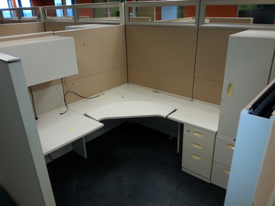 STEELCASE ANSWER CUBICLES WITH GLASS