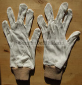 oo093 - East German NVA Army pair of white gloves