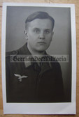 lwpc084 - Luftwaffe Soldat studio portrait photo - dated 1943