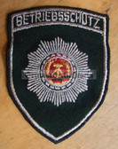 om085- 7 - BETRIEBSSCHUTZ SLEEVE PATCH - Volkspolizei VP VoPo Works Protection units