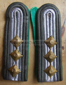 Xsbgt013 - STABSFAHENRICH - Grenztruppen - Border Guards - pair of shoulder boards