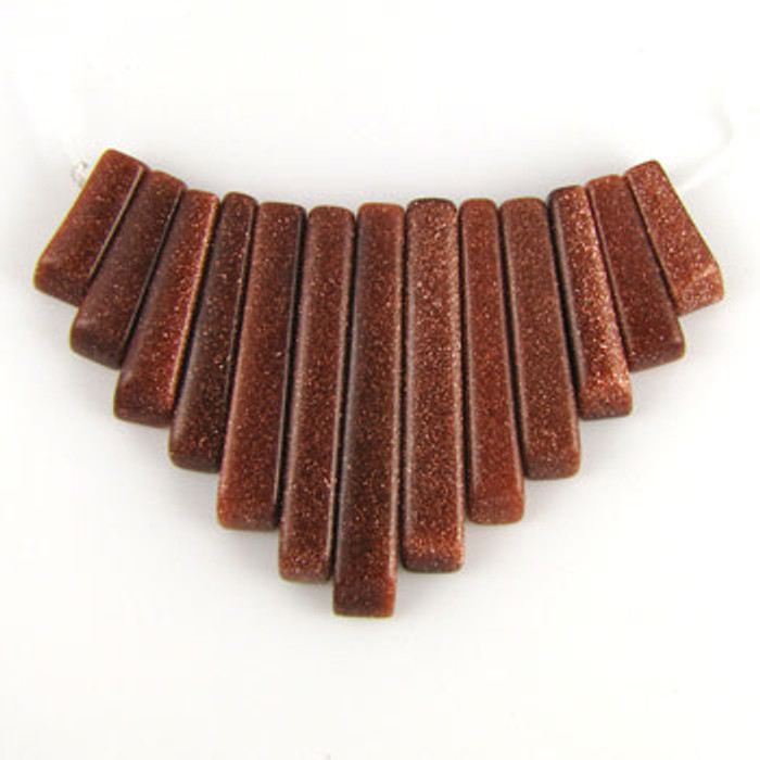 CL0013 - Goldstone, Brown Collar (13 pieces)