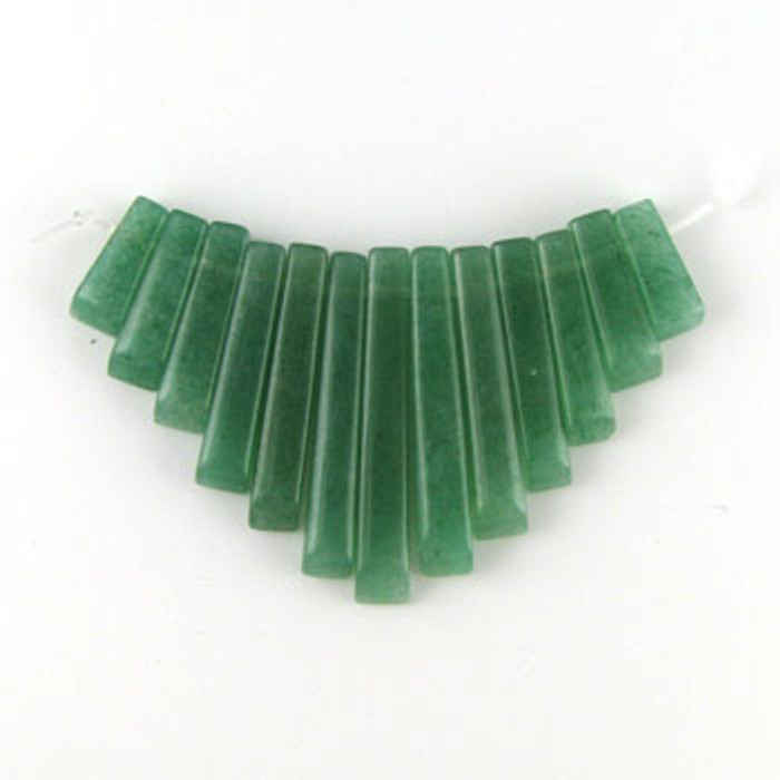 CL0014 - Aventurine, Green Collar (13 pieces)