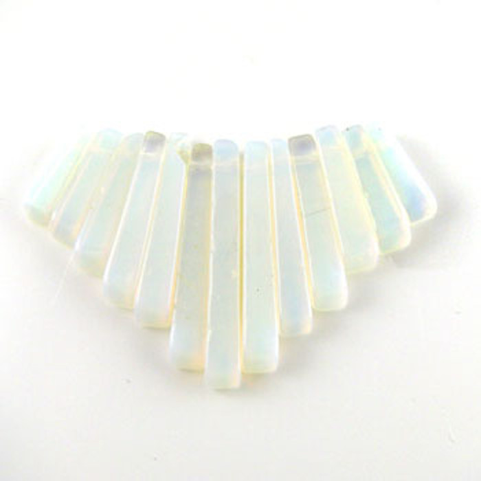CL0023 - Opalite Collar (13 pieces)