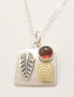 PROTECT SQUARE NECKLACE, GARNET