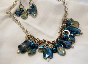 Shades of blue crystal clusters necklace set