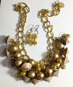 Wood and Gold Pearls with Crystals Necklace set