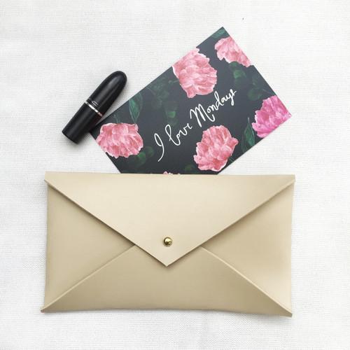 Envelope Clutch Beige