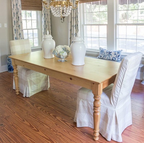 EFF - Farmhouse Dining Table