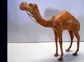 LEATHER COVERED - WOODEN CAMEL