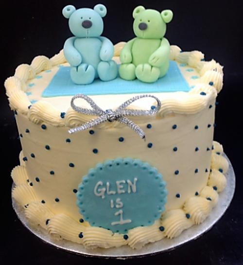 Buttercream Cake with Teddies