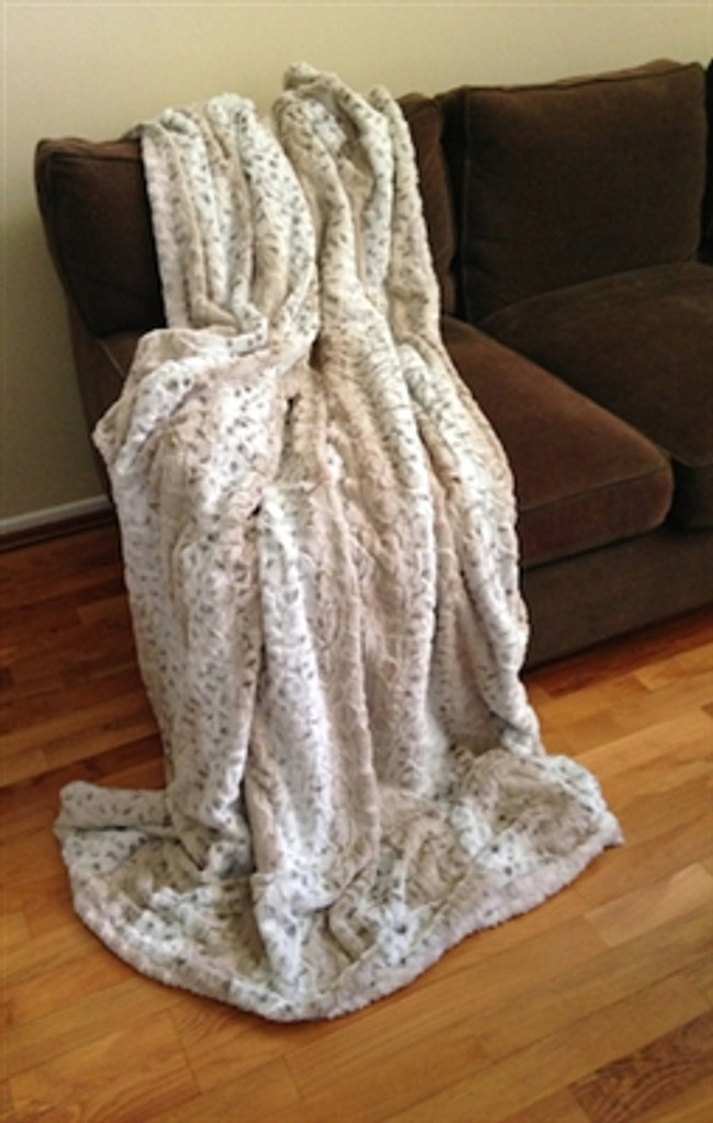 Reversible Frosted Snow Leopard Luxurious Fur Throw